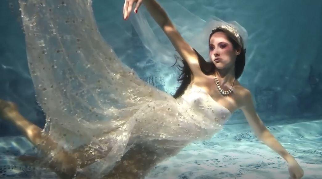 Video: Show diễn thời trang dưới nước 'có một không hai' tại Nga