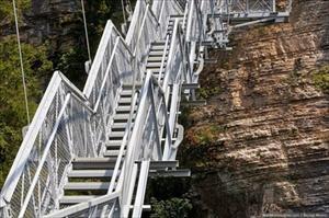 Cầu treo đi bộ ở Nga hoành tráng cỡ nào?