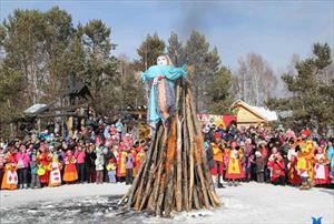 Lễ tiễn mùa đông của người Nga trên đất Việt