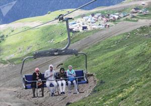 Vẻ đẹp tráng lệ trên khu nghỉ dưỡng của núi Dombay (Nga)