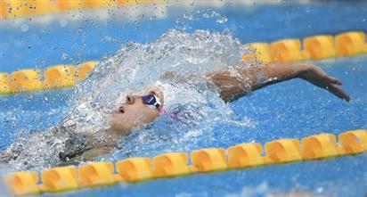 Olympic Tokyo: Kình ngư người Nga phá thế thống trị của Mỹ ở nội dung bơi ngửa