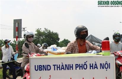 Mỗi ngày Hà Nội 'mời' gần 3.000 người 'quay đầu' khi có ý định ra/vào thành phố