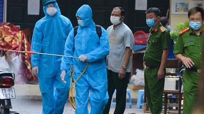 KHẨN: Hà Nội tìm người đi trên xe taxi liên quan ca dương tính SARS-CoV-2 chưa rõ nguồn lây