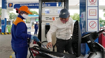 Giá xăng dầu có thể tăng lên mức kỷ lục vào ngày mai?