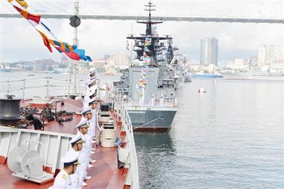 Biểu dương Biên đội tàu tham gia hoạt động đối ngoại tại LB Nga