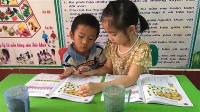 Hà Nội: Trường chưa mở, nở rộ dịch vụ nhóm trông trẻ tại nhà, phụ huynh 'tặc lưỡi' để đi làm