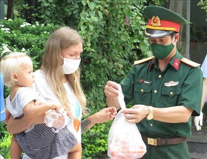 Tình cảm của dân Khánh Hòa dành cho người Nga xa xứ
