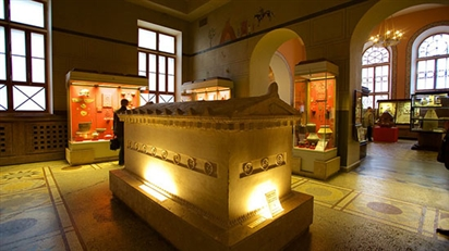 Tham quan Bảo tàng Lịch sử Quốc gia Nga