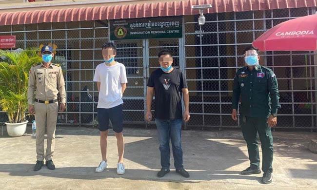 Người Trung Quốc đóng giả bác sĩ trốn phong tỏa ở Campuchia