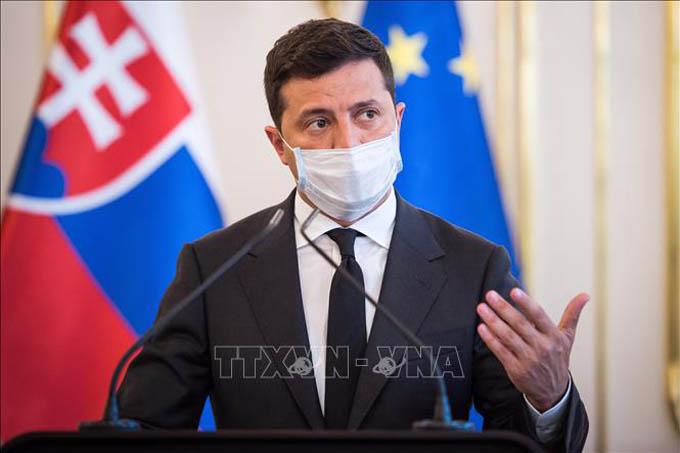 Tổng thống Ukraine đề xuất hội đàm với Tổng thống Nga tại Donbass