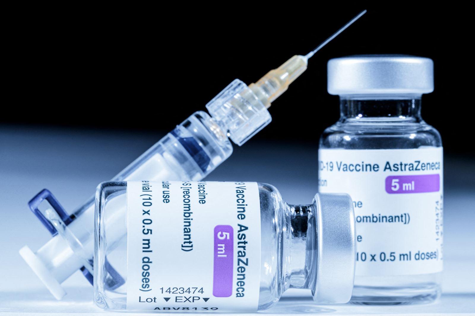 Các vaccine đang lưu hành có khả năng chống chọi biến chủng Delta ra sao?