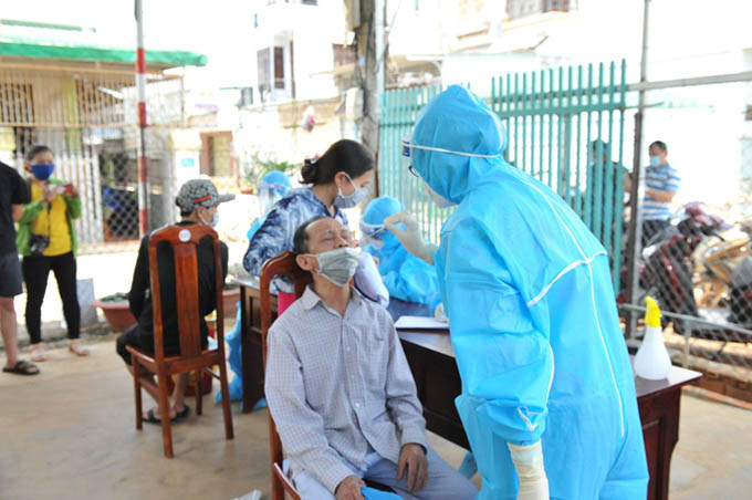 Lịch trình đi lại ở Đà Nẵng và Đắk Lắk của 1 giám đốc mắc Covid-19
