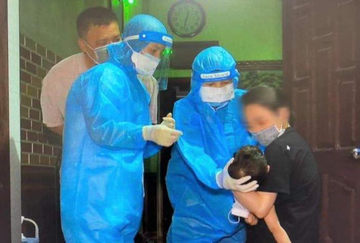 KHẨN: Tìm người dự đám cưới có khách tới quán bar phát hiện 6 nữ nhân viên dương tính SARS-CoV-2