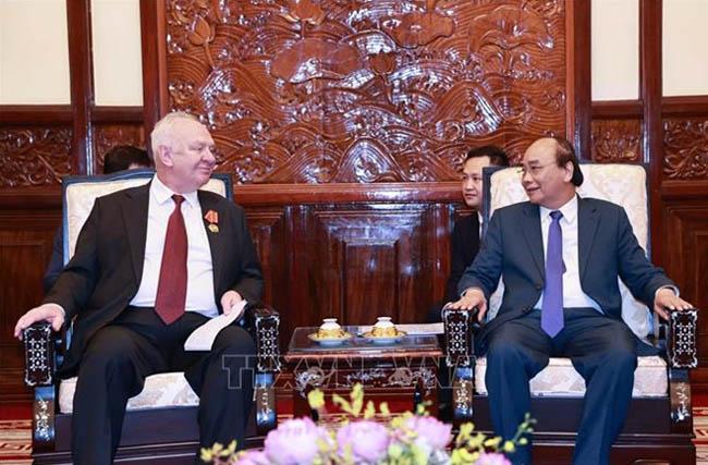 Chủ tịch nước Nguyễn Xuân Phúc tiếp Đại sứ Nga chào từ biệt