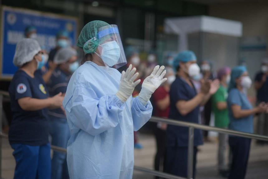 Nghịch lý ở quốc gia đào tạo và 'xuất khẩu' y tá cho thế giới