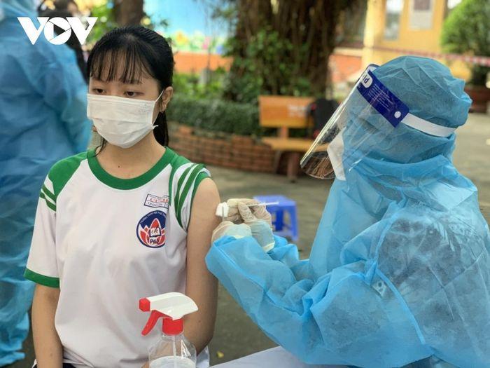 Lần đầu tiên tiêm vaccine ngừa COVID-19 cho trẻ em tại TP.HCM